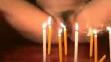 Wie man auf die Kerzen ausblasen Ihre Alles Gute zum Geburtstag