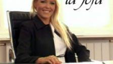 Mi jefa es lesbiana y me folla en su oficina porque estoy muy buena