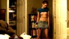 Amateur haciendo un stripptease para su novio