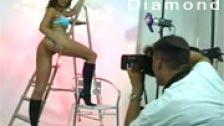 Simony Diamond posa para unas fotos y el fotógrafo se la folla