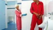 The Lady scopa tutto quello che significa in servizio pubblico di pulizia