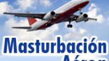 Frau masturbiert auf einem Flugzeug