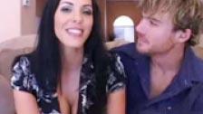 Una pareja compartiendo sus fantasías