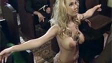 Ritual de iniciação selvagem de uma virgem