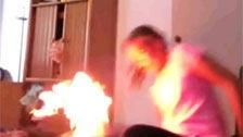 Rubia se marca un baile sensual que acaba en incendio