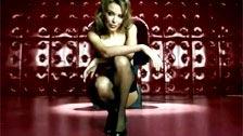 Kylie Minogue en un excitante anuncio para una marca de lencería