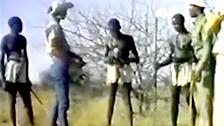 Documentário onde você pode ver um Africano com um pau gigante