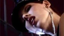 Video fetichista con Simony Diamond follando entre rejas