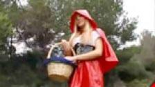 Gli scatti Lupo Red Riding Hood con Lesly Bacio
