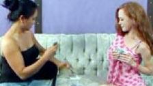 Lesbianas jugando al strip poker al final terminan haciendo el amor