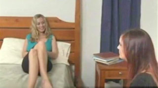 Jayden Cole e Anita scuro mangiare la figa sul letto con amore