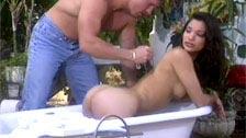 Seks analny na świeżym powietrzu z piękną Latynoską Adrianą Sage