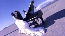 Asia Carrera cazzo nel deserto con il post abito da sposa
