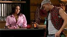 La camarera mejicana Adrianna Luna se lo hace con un cliente gringo