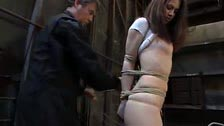Faith Leon puteada by a sadistic that bind with ropes