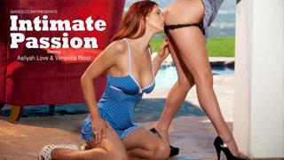 Aaliyah Love y Veronica Ricci en un sensual escena lésbica