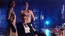 Cena erótica sexo lésbico em pleno jantar de alta tensão