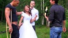 Madelyn se acaba de casar y ya está follando con extraños