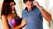Exotic Rihanna Rimes seduz o namorado de sua melhor amiga