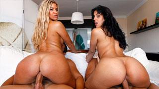 Laurita Peralta y Carol Ferrer practicando el intercambio de parejas