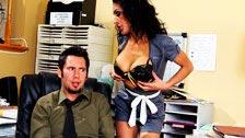Tommy Pistol fodendo sua colega exótica e madura, Persia Pele
