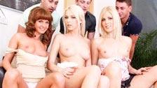 Bella Baby, Karol und süße Katze in einer Orgie mit ihren Partnern
