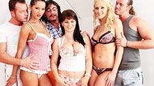 Kristi Klenot, Angel Dark e Jane Darling fodendo juntas em uma orgia