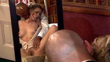 La criada Nicole Ray follada por el patrón a la fuerza