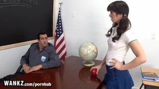 Billy Glide dà lezioni private Ashlyn Rae Schoolgirl