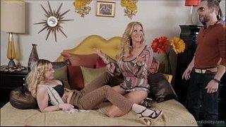 Kelly Madison y Sierra Day prueban juntas el nardo de Ryan Madison