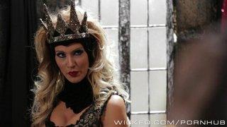 A Rainha Má, Jessica Drake, transa com o Caçador da Branca de Neve