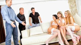 Leyla Black, Gina Gerson, Shalina Devine und ihre Freunde bei einer Orgie