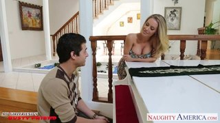La Milf Nicole Aniston es la profesora de piano de Xander Corvus