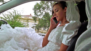 Amirah Adara scopa con uno sconosciuto il giorno delle nozze