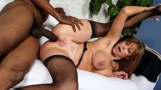 Darla Crane educa un ragazzo nero ribelle nel suo ufficio