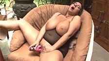 Alix Lakehurst, a fat busty babe masturbating for you