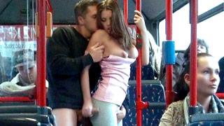 Sexo em público com Bonnie Shai viajando de ônibus