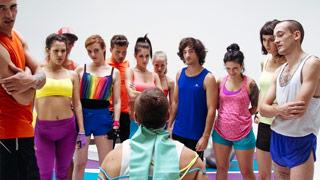 Exercício físico e sexo grupal com Carol, Samia, Selina, Sicilia, Lulú e Bianca