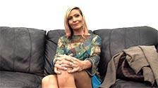 Die attraktive MILF Chloe erledigt bei einem Casting einen wundervollen Job