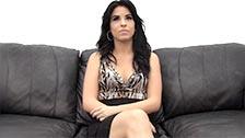 Aubrey, una amateur pardilla, follada y enculada en un casting XXX