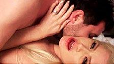 Anikka Albrite zdradza swojego męża na jego oczach