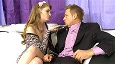 Faye Reagan seduce en casa a su abogado trajeado Bill Bailey