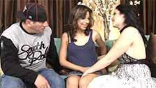Priscilla Sin seduz a latina Estrella Flores a fazer um trio pornô