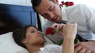 Johnny Castle in un romantico incontro sessuale con la matura Jenni Lee