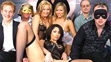 Ionie Luvcoxx, Jessica Love y Nancy hacen sexo retro en grupo