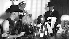 Festa feticista da sogno con Alicia Rhodes e le sue amiche