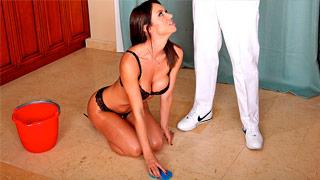 Il dottor Johnny Sins si scopa la paziente Franceska Jaimes