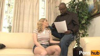 La studentessa Aiden Starr sbattuta dal suo insegnante privato nero