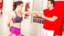 La sportiva Noelle Easton fornica con il suo allenatore personale