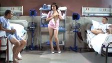 MrPete e Tony T offrono a Sasha Grey i loro campioni di sperma